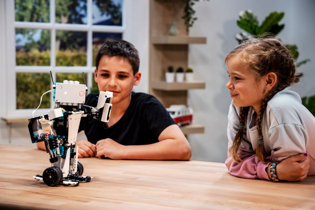 LEGO Mindstorms 51515 Robot Inventor 5