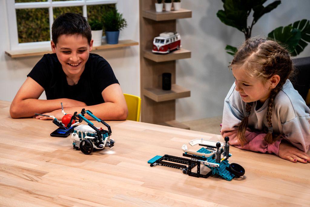 LEGO Mindstorms 51515 Robot Inventor 8