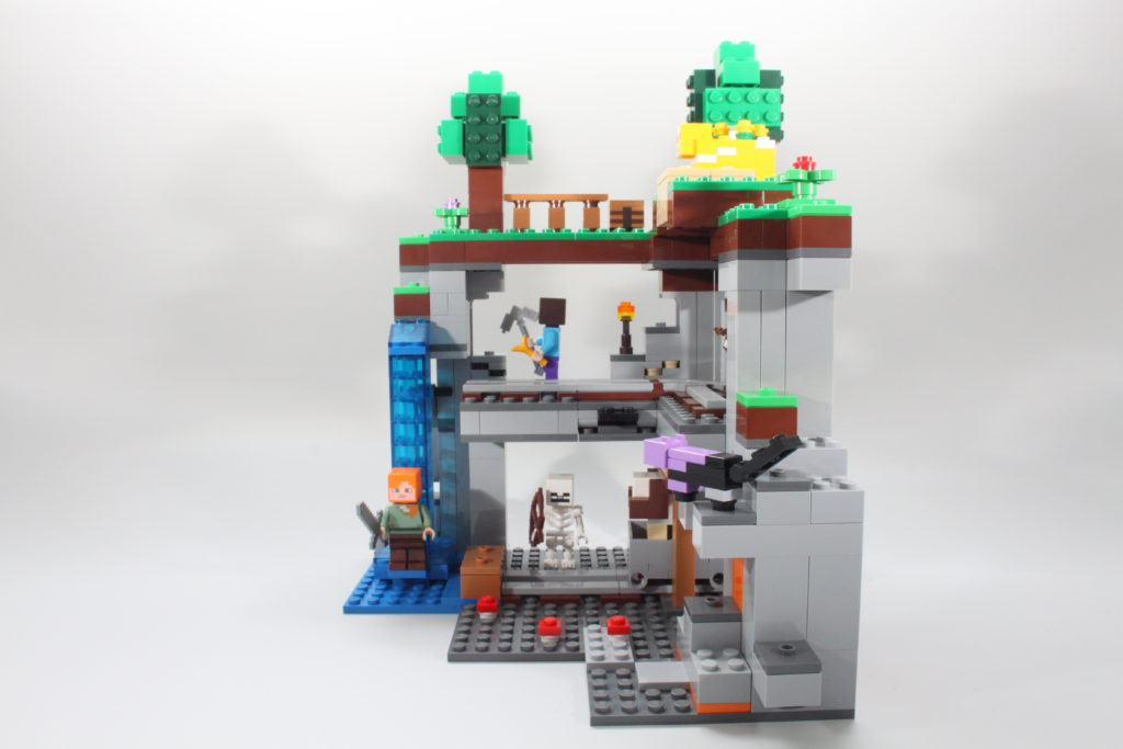 LEGO Minecraft 21169 The First Adventure Review 15