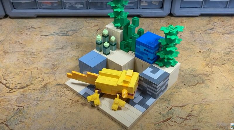 Lego Minecraft Axolotl