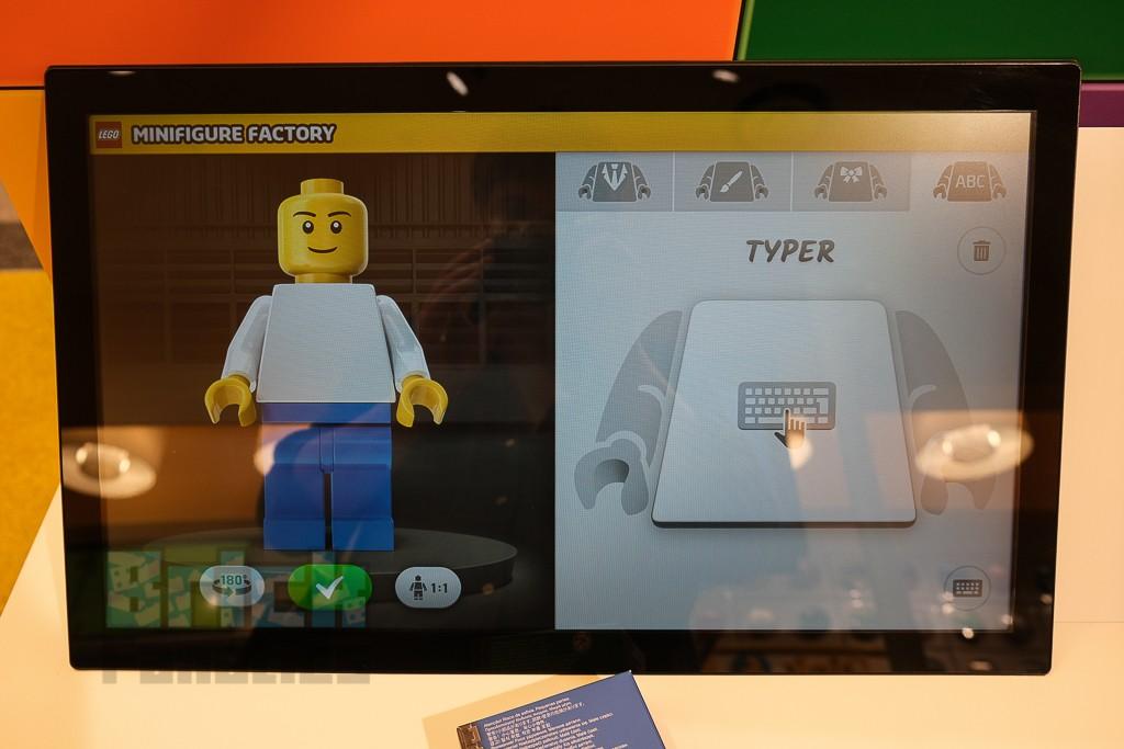 LEGO Minifigure Factory 13