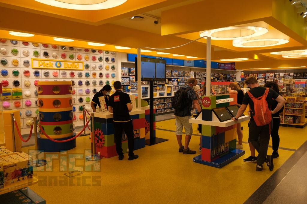 LEGO Minifigure Factory 65