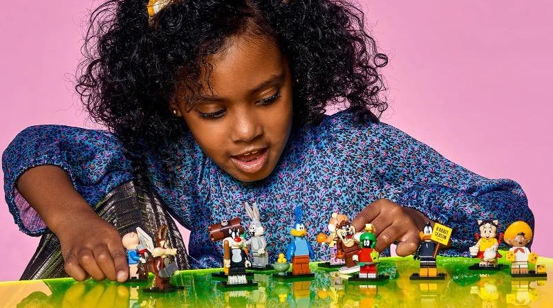 LEGO Minifigures 71030 Looney Tunes Lifestyle Featured 2