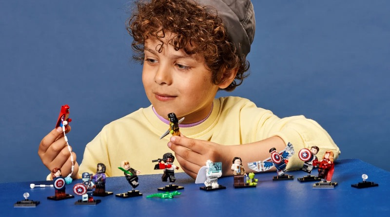 LEGO Minifigures 71031 Marvel Studios Featured 3