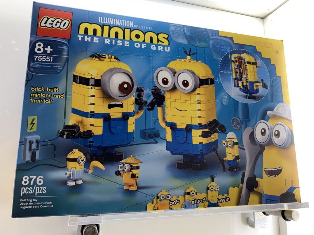 LEGO Minions 75551 Brick Built Minion Sand Their Lair 1