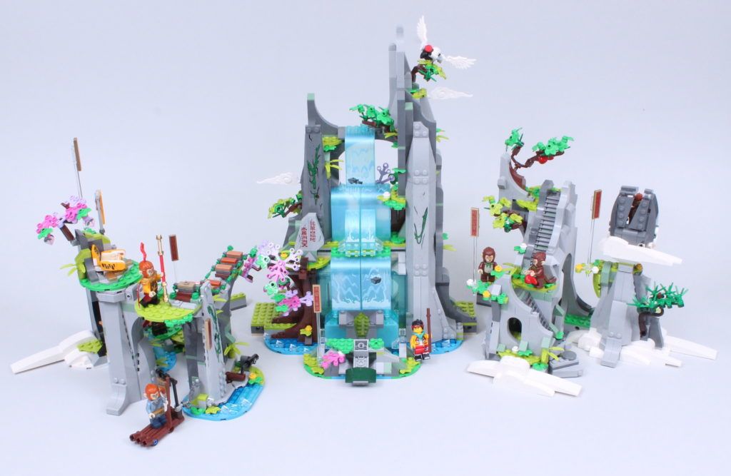 LEGO Monkie Kid 80024 The Legendary Flower Fruit Mountain review 3