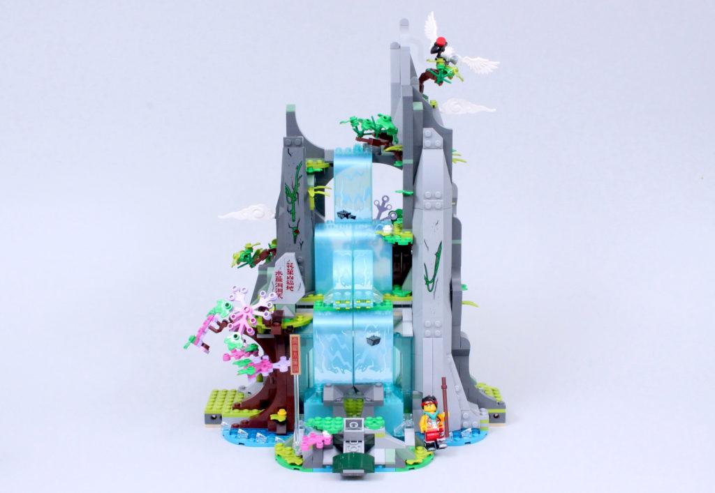 LEGO Monkie Kid 80024 The Legendary Flower Fruit Mountain review 5