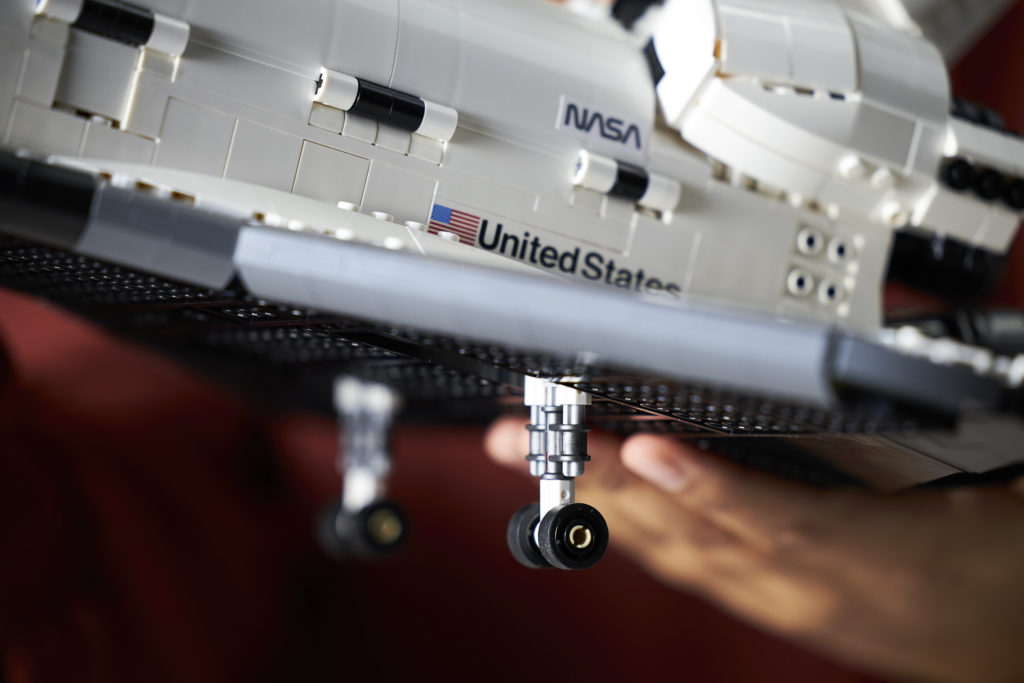 LEGO NASA Space Shuttle Discovery 10