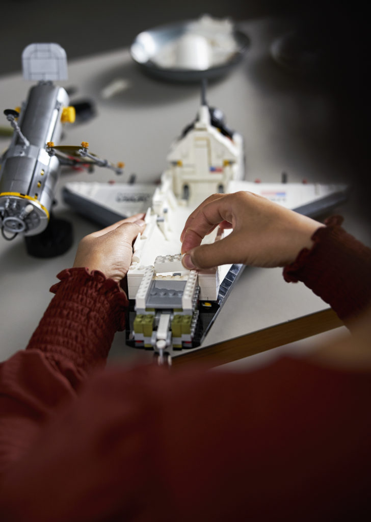 LEGO NASA Space Shuttle Discovery 13