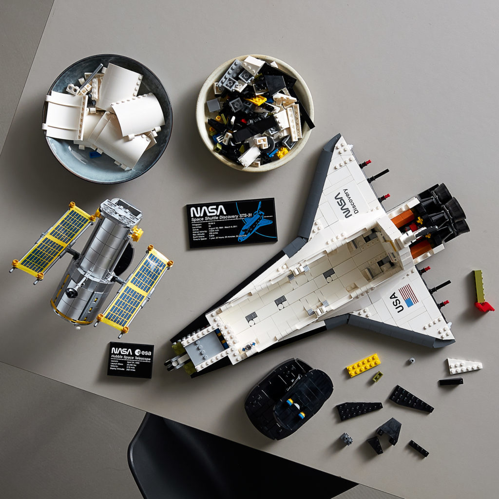 LEGO NASA Space Shuttle Discovery 14 1024x1024