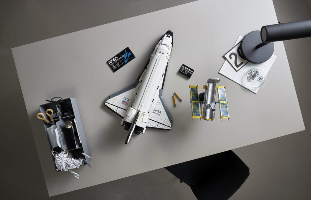 LEGO NASA Space Shuttle Discovery 6