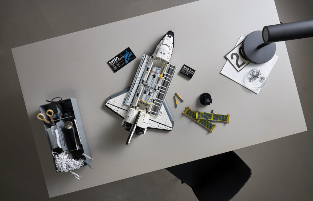 LEGO NASA Space Shuttle Discovery 8
