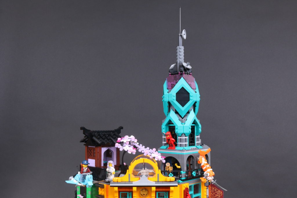 LEGO NINJAGO 71741 NINJAGO City Gardens Review 25