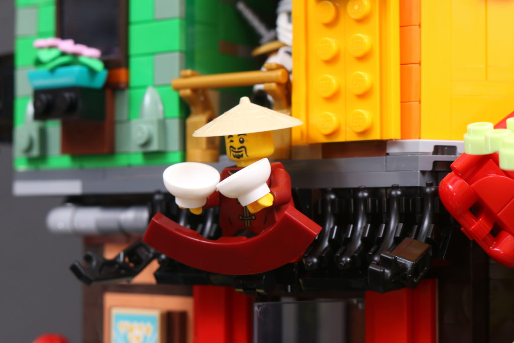 LEGO NINJAGO 71741 NINJAGO City Gardens Review 42