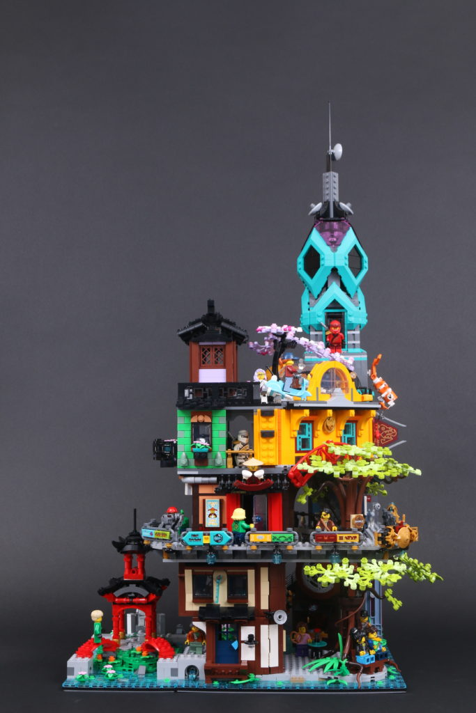 LEGO NINJAGO 71741 NINJAGO City Gardens review 7