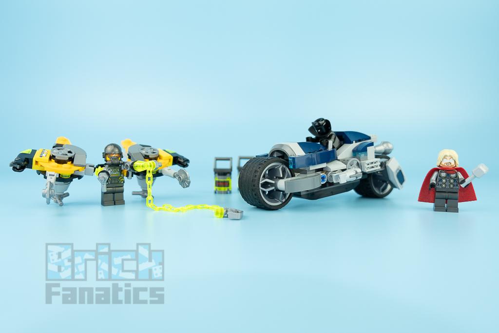 LEGO NINJAGO 76142 Avengers Speeder Bike Attack 3