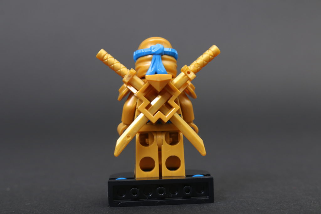 LEGO NINJAGO Legacy 71738 Zanes Titan Mech Battle Review 2