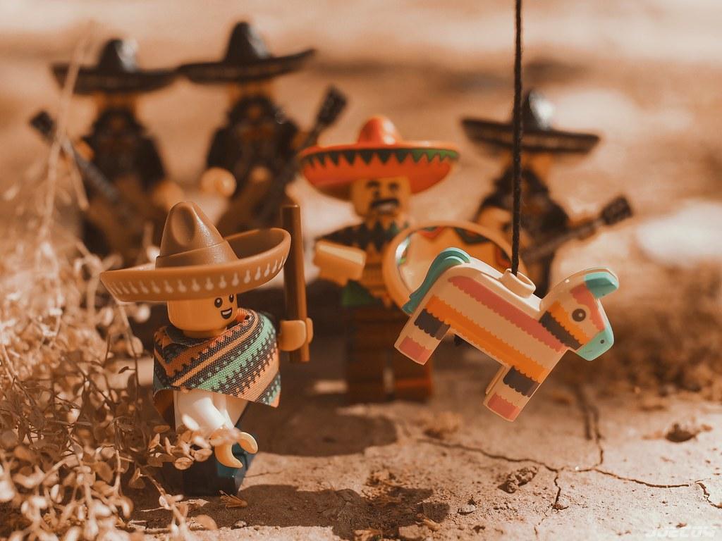 LEGO Pinata
