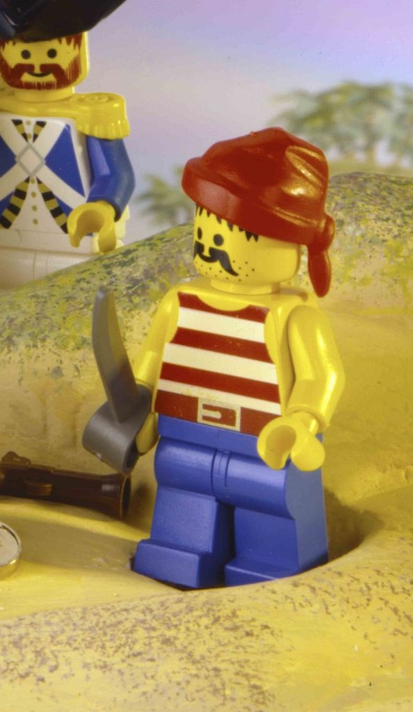 LEGO Pirates Classic Minifigures 2