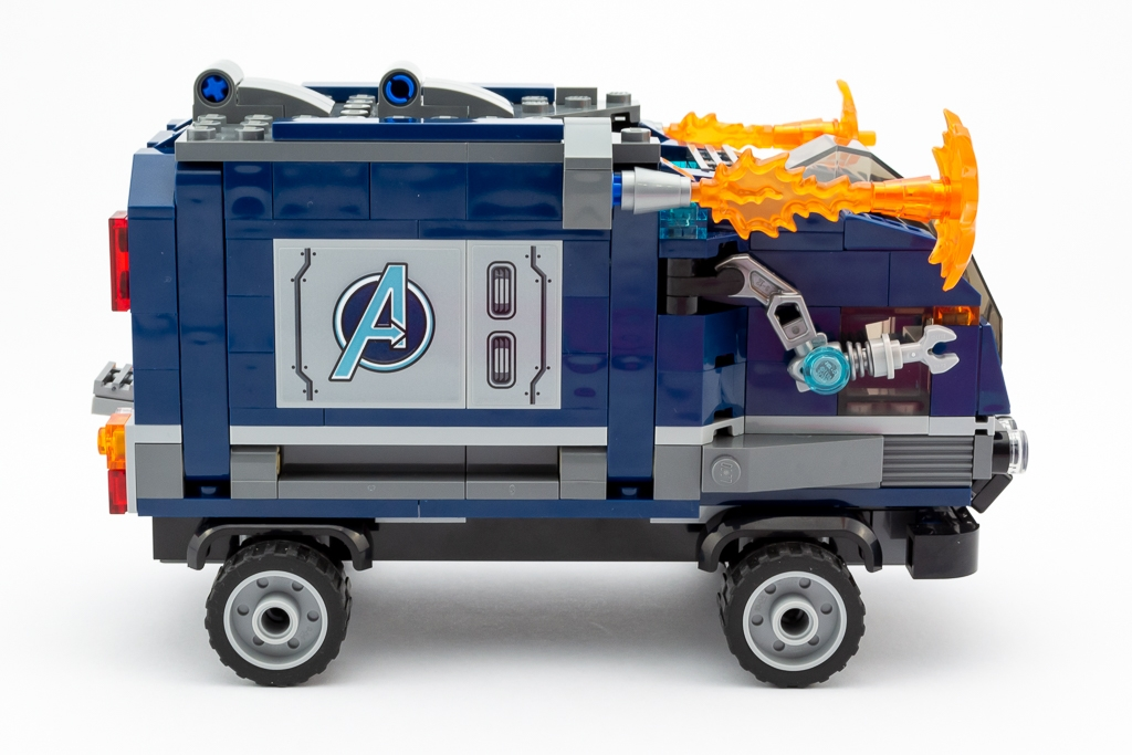 LEGO Review Avengers Truck Take Down 12