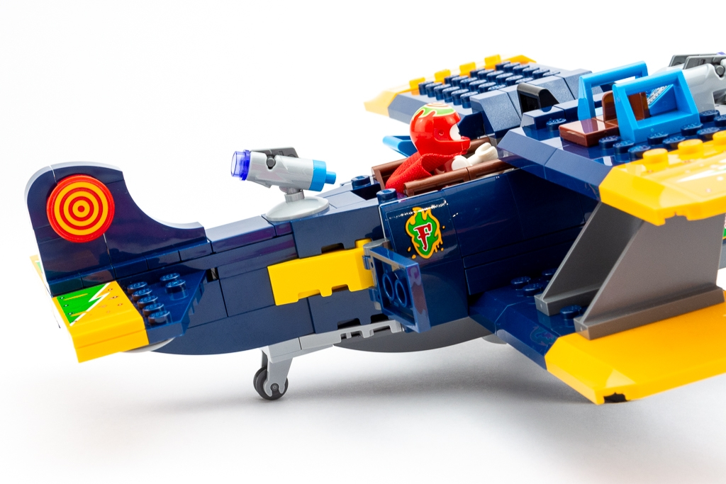 LEGO Review El Fuegos Stunt Plane 14