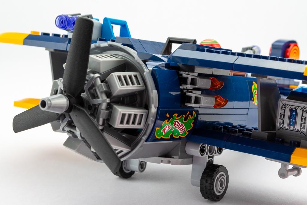 LEGO Review El Fuegos Stunt Plane 16