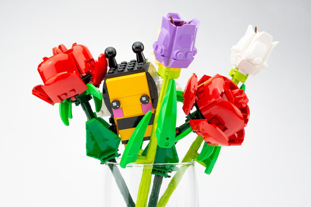 LEGO Review Roses 06