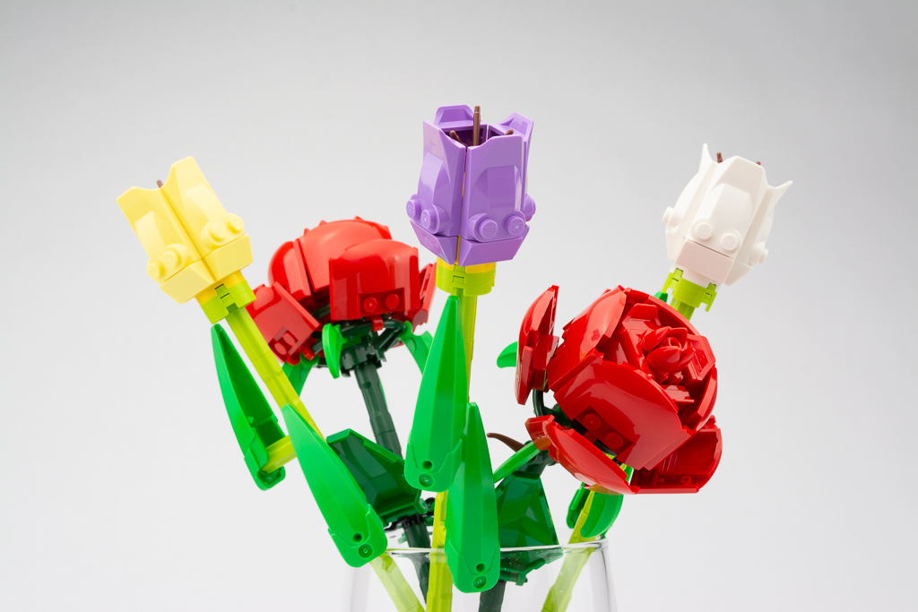 LEGO Review Roses 10