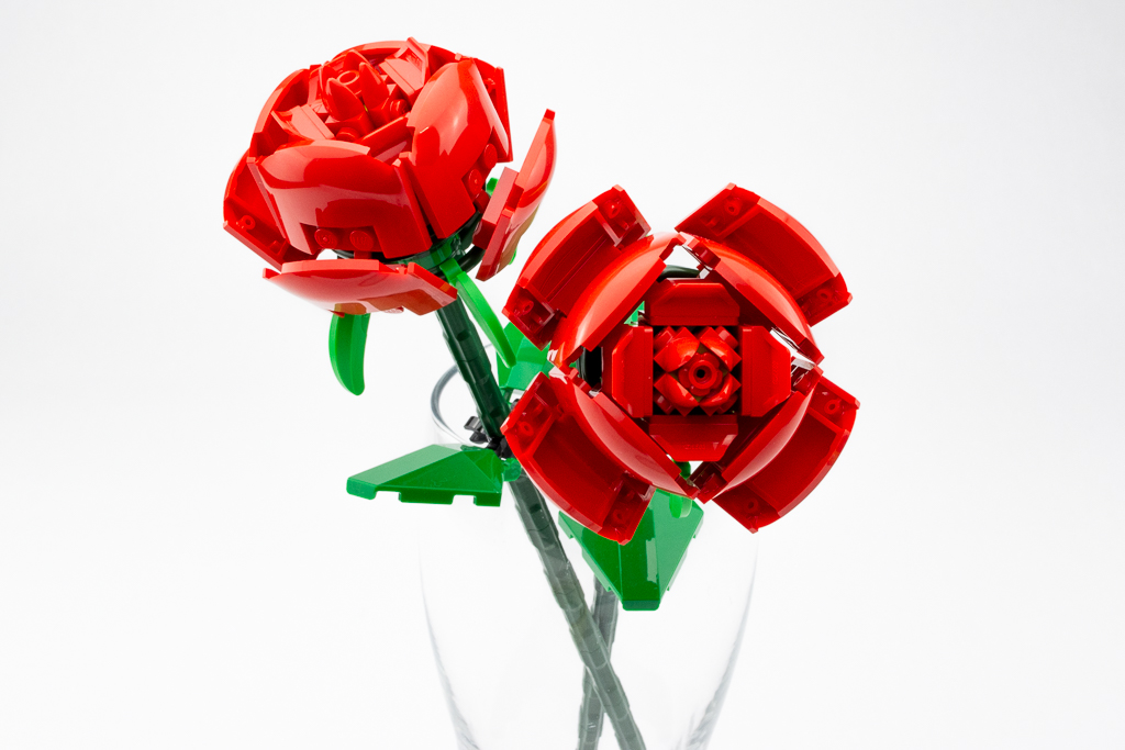 LEGO Review Roses 16