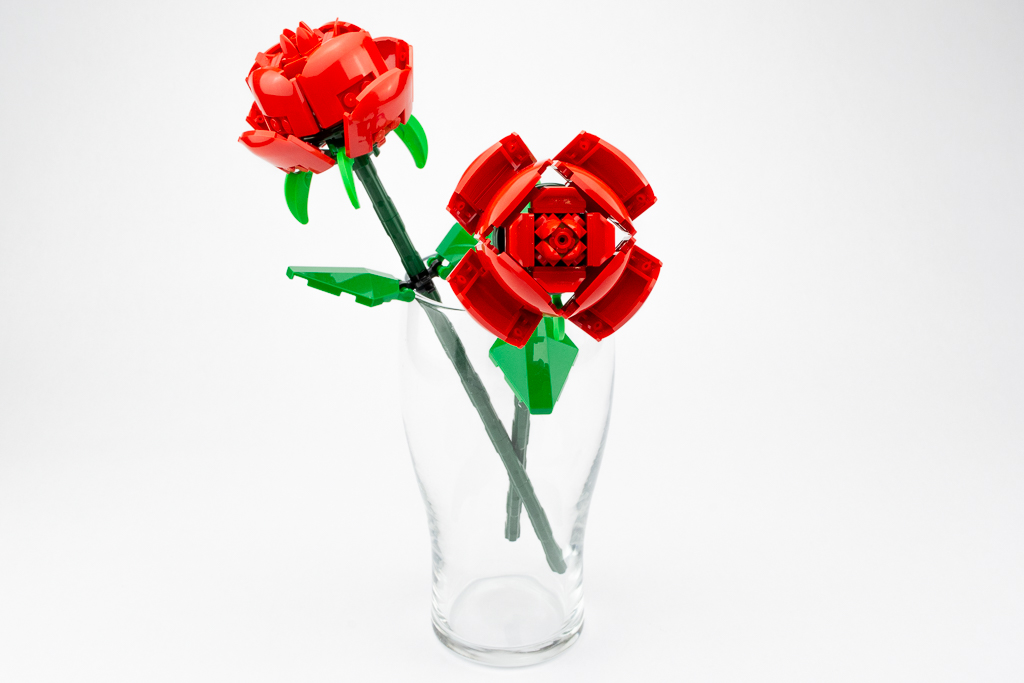 LEGO Review Roses 17