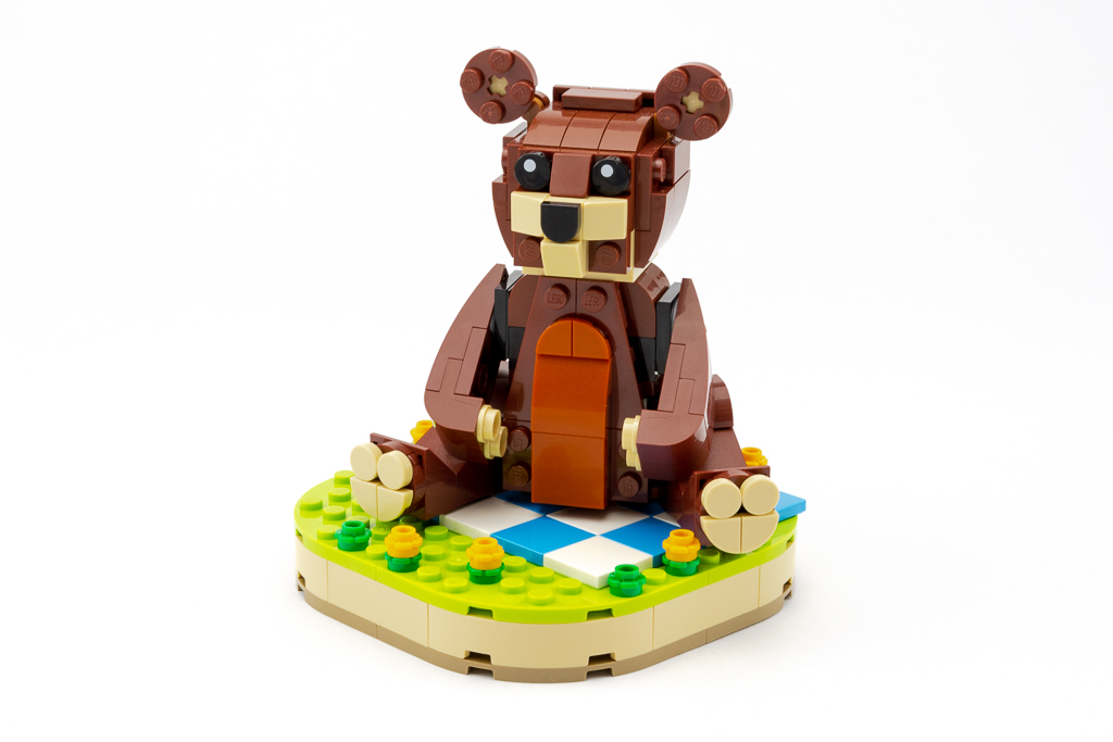 LEGO Review Valentines Brown Bear 05