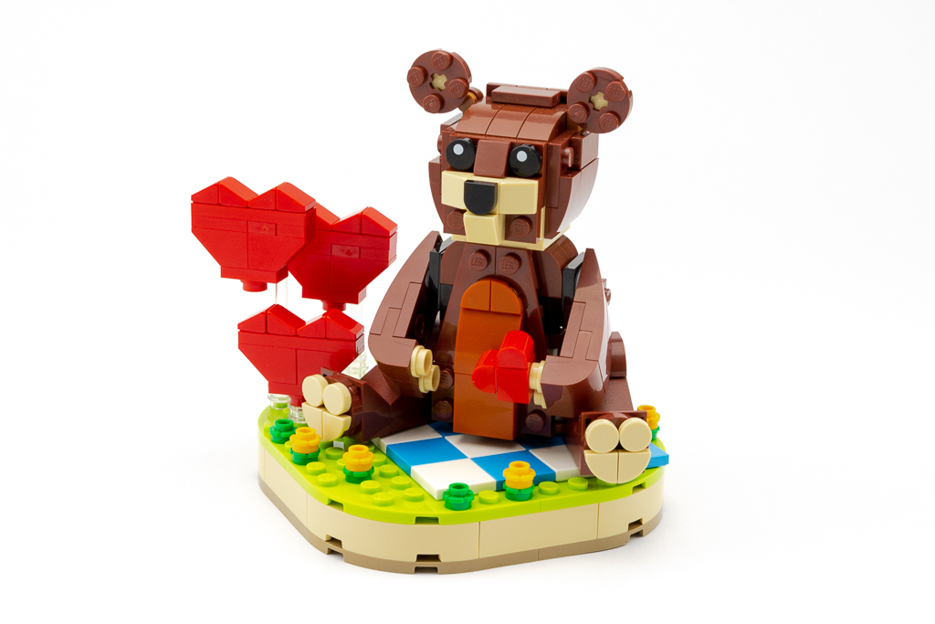 LEGO Review Valentines Brown Bear 06