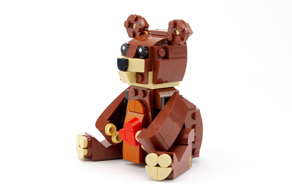 LEGO Review Valentines Brown Bear 16