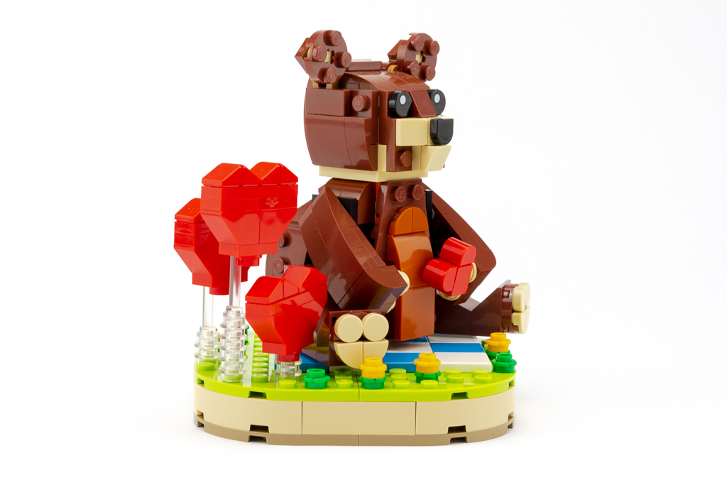 LEGO Review Valentines Brown Bear 20