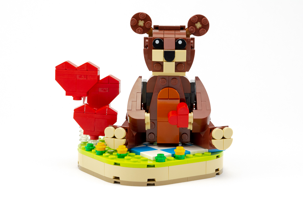 LEGO Review Valentines Brown Bear 24