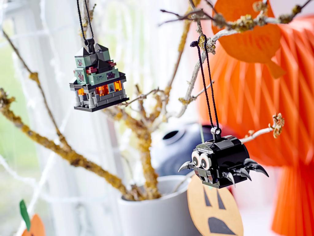 LEGO Seasonal 40493 Spider Haunted House Pack 3
