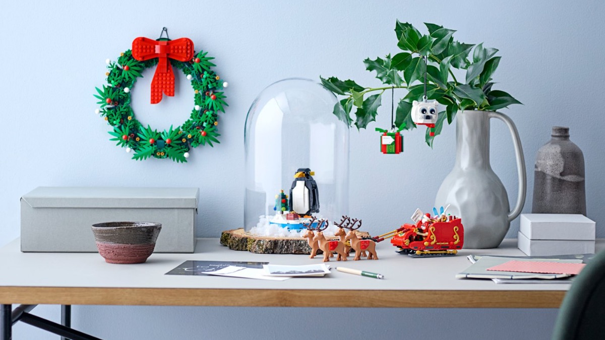 LEGO Seasonal 40499 Santas Sleigh Featured 3