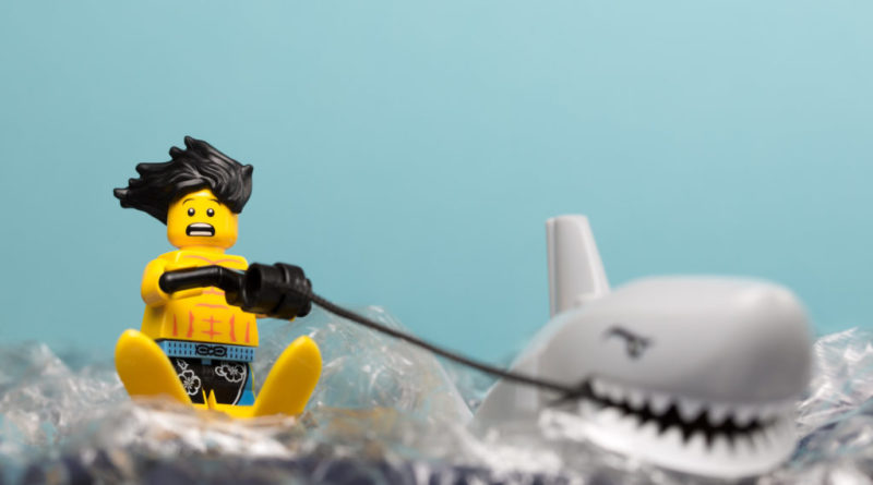 LEGO Shark Ski 800x445