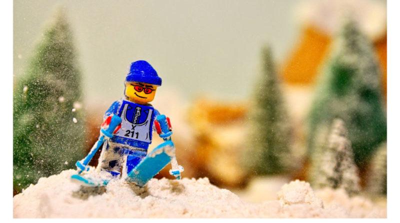 LEGO Skiier E1607387762595