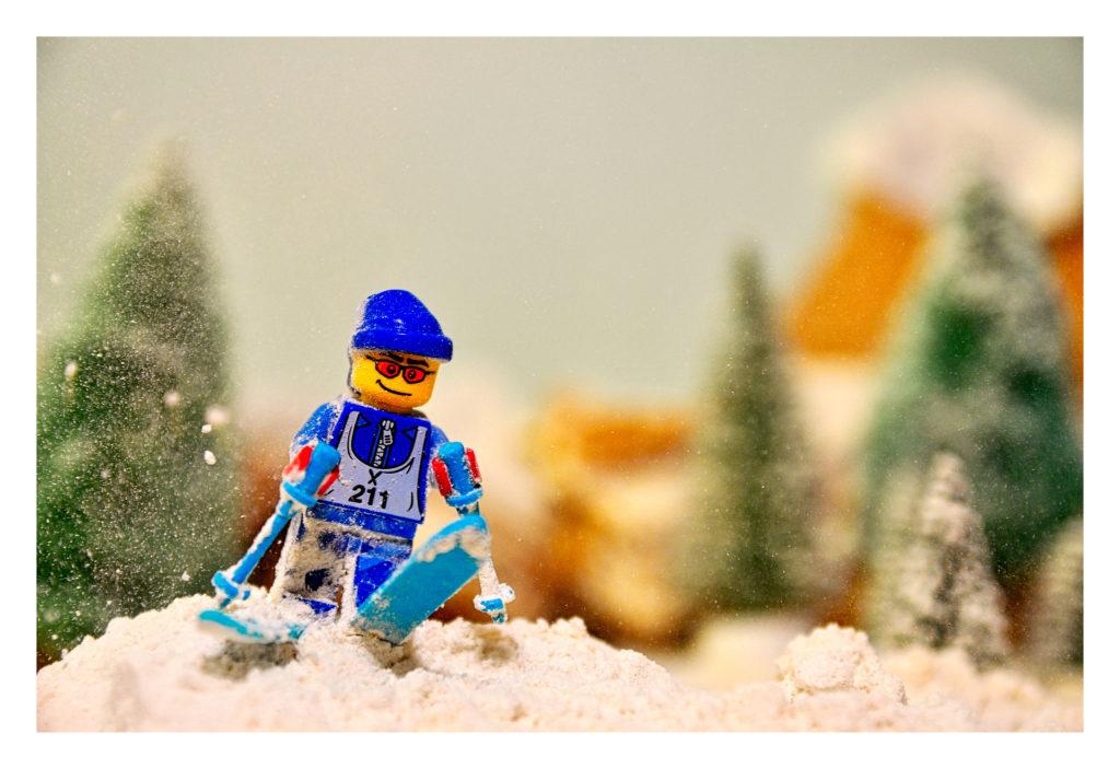 LEGO Skiier