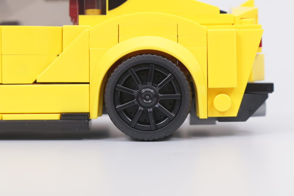 LEGO Speed Champions 76901 Toyota GR Supra review 17