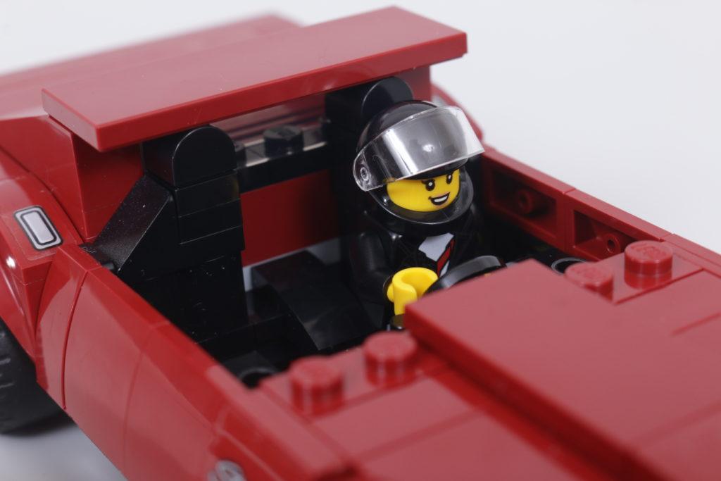 LEGO Speed Champions 76903 Chevrolet Corvette C8.R Race Car and 1968 Chevrolet Corvette review 13