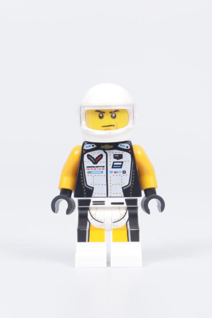 LEGO Speed Champions 76903 Chevrolet Corvette C8.R Race Car and 1968 Chevrolet Corvette review 29