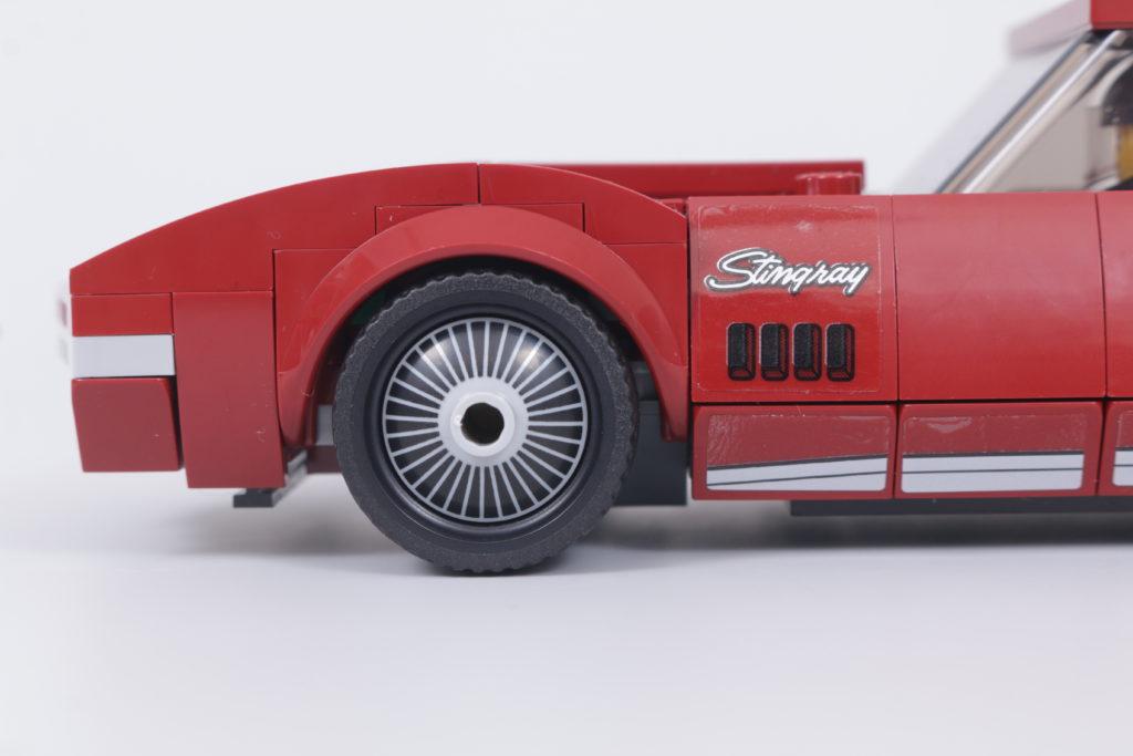 LEGO Speed Champions 76903 Chevrolet Corvette C8.R Race Car and 1968 Chevrolet Corvette review 9