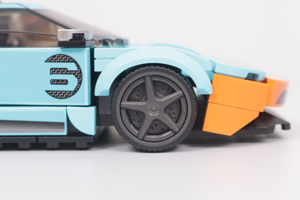 LEGO Speed Champions 76905 Ford GT Heritage Edition and Bronco R review 12