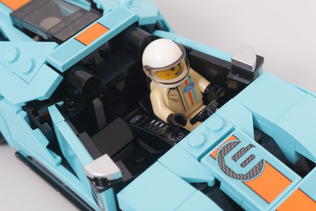 LEGO Speed Champions 76905 Ford GT Heritage Edition and Bronco R review 21