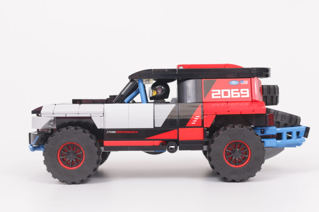 LEGO Speed Champions 76905 Ford GT Heritage Edition and Bronco R review 29