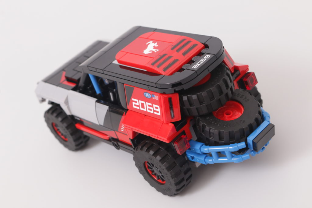 LEGO Speed Champions 76905 Ford GT Heritage Edition and Bronco R review 31