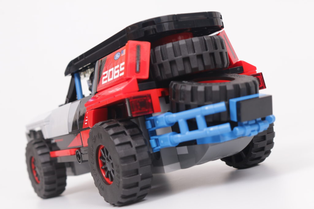 LEGO Speed Champions 76905 Ford GT Heritage Edition and Bronco R review 32