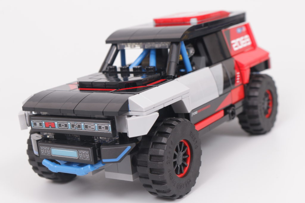 LEGO Speed Champions 76905 Ford GT Heritage Edition and Bronco R review 41